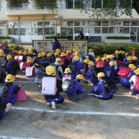 放課後の陸上練習の下校指導