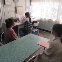 放送による1学期の終業式兼2学期始業式を実施いました。